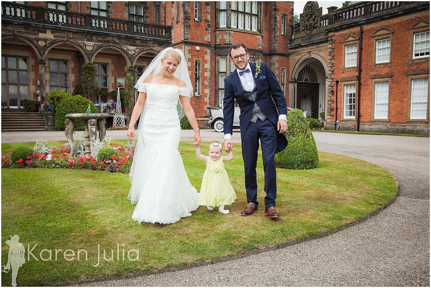 Capesthorne-Hall-Wedding-Photography-11